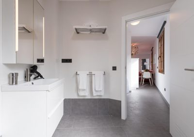 loft-gran-canaria-1B-bathroom-dryer